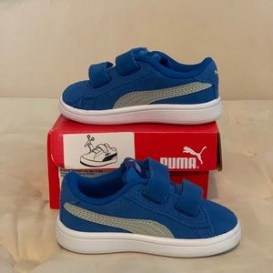 Puma suede royal blue sneaks Size 5 Toddlers